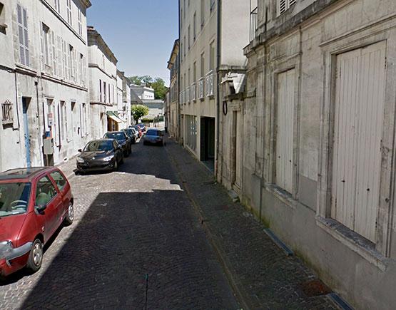 Old-Liqours-Cognac-Rue-Abel-Panat