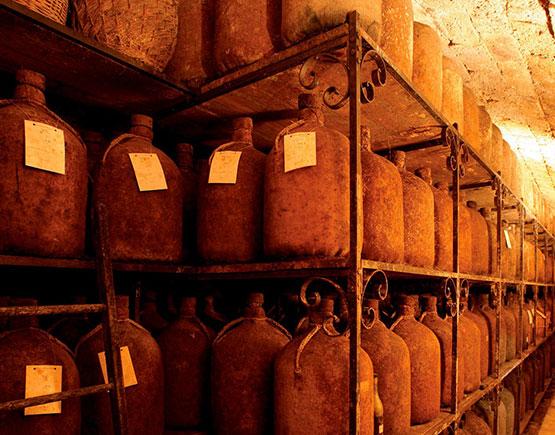 Old-Liqours-Cognac-Tesserons-cellar