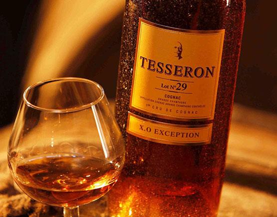 Cognac-Tesserons-GlassAndBottle