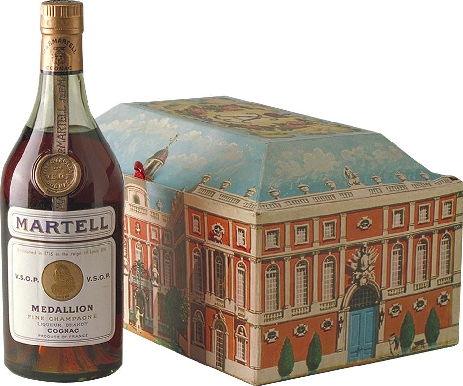 Cognac Martell V.S.O.P., Medaillon 1970s Chateau Box (7492)