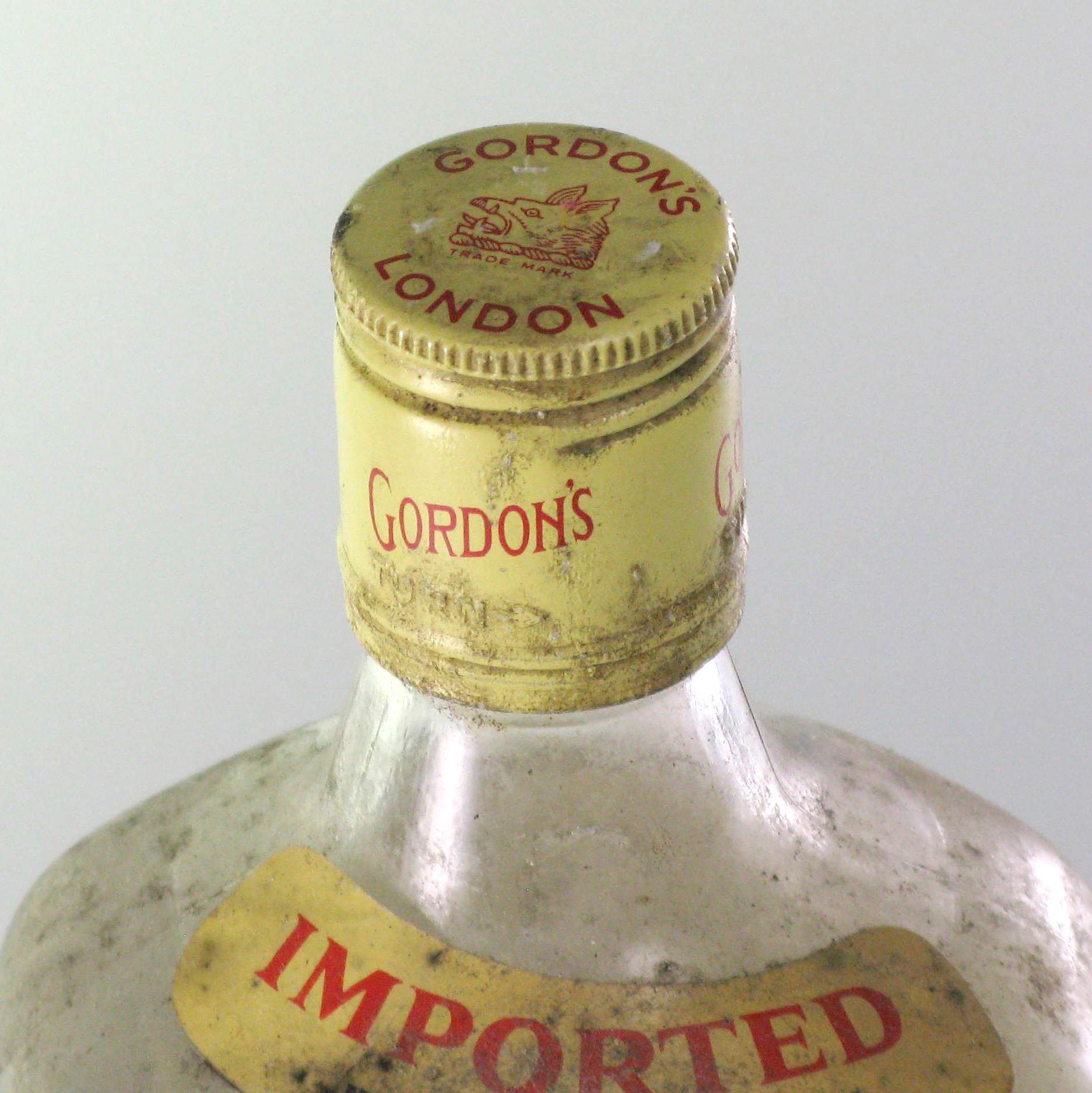 Gordon's London Dry Gin 70s