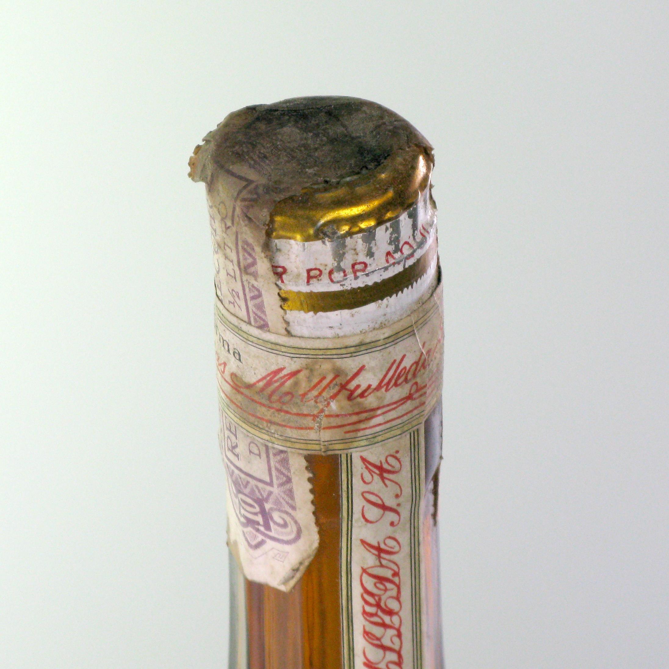Liqueur Calisay 1960s